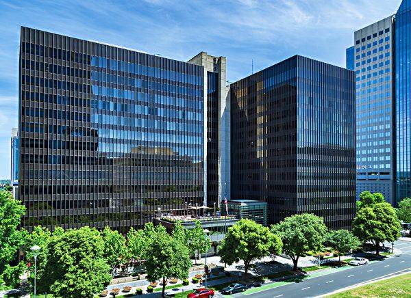 555 Capital Mall Buildings