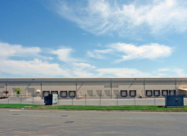 2975-3071 Venture Drive dock loading