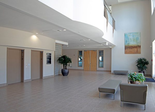 810 Vaca Valley Parkway lobby